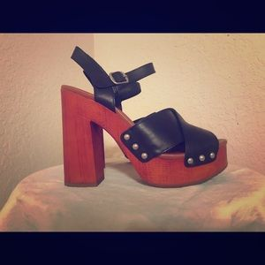 New Lucky Brand wedge heel size 8